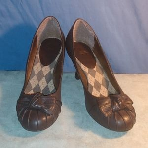 2 Mia Women's Pump with bow